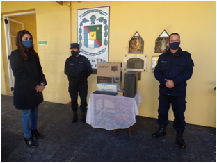 EL MUNICIPIO DE VILLAGUAY DONO UNA PC A LA JEFATURA DEPARTAMENTAL.-